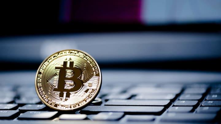 faceți bani pe Internet introducând codul