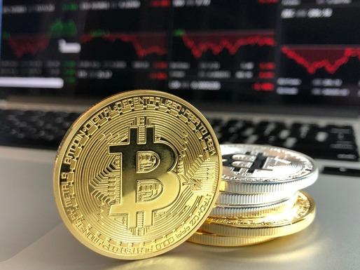 Bitcoin depășește dolari prima dată de la lansare | images-team.ro
